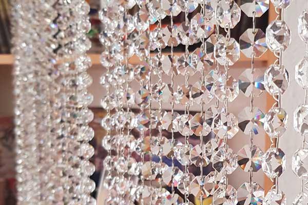 Kapcsos kristályfüggyöny
